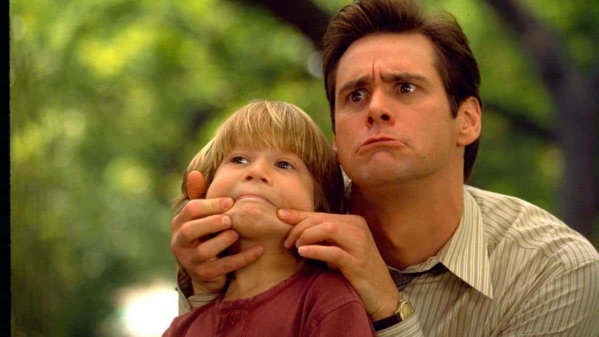 Justin Cooper as Max and Jim Carrey as Fletcher in Liar Liar