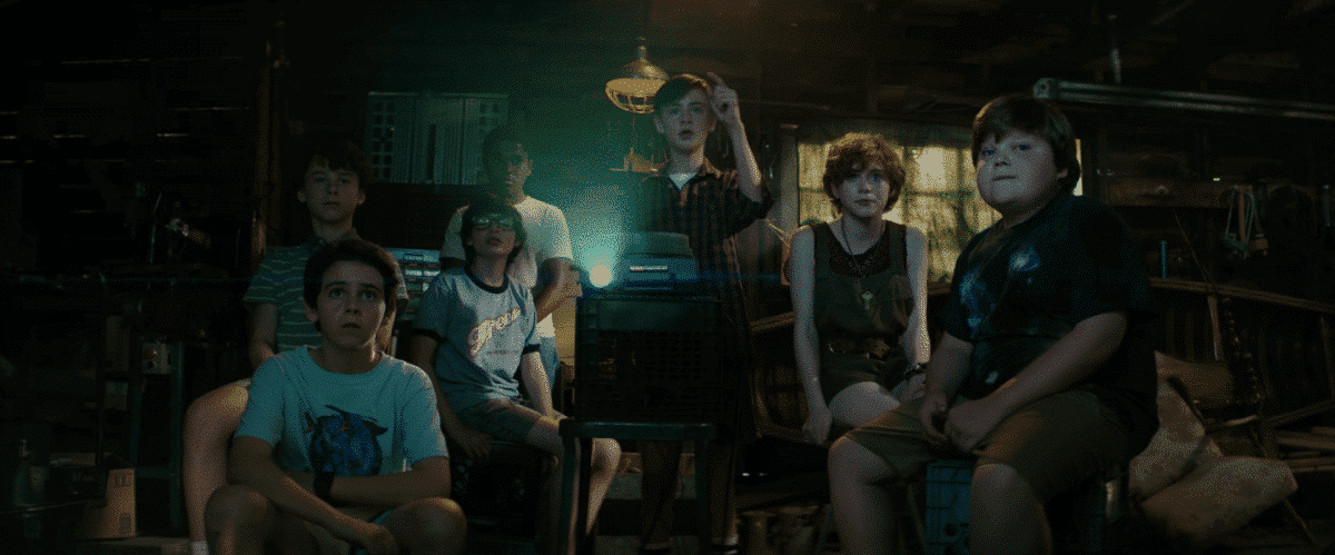 The Losers' Club figure out the origin of the terror in their town.